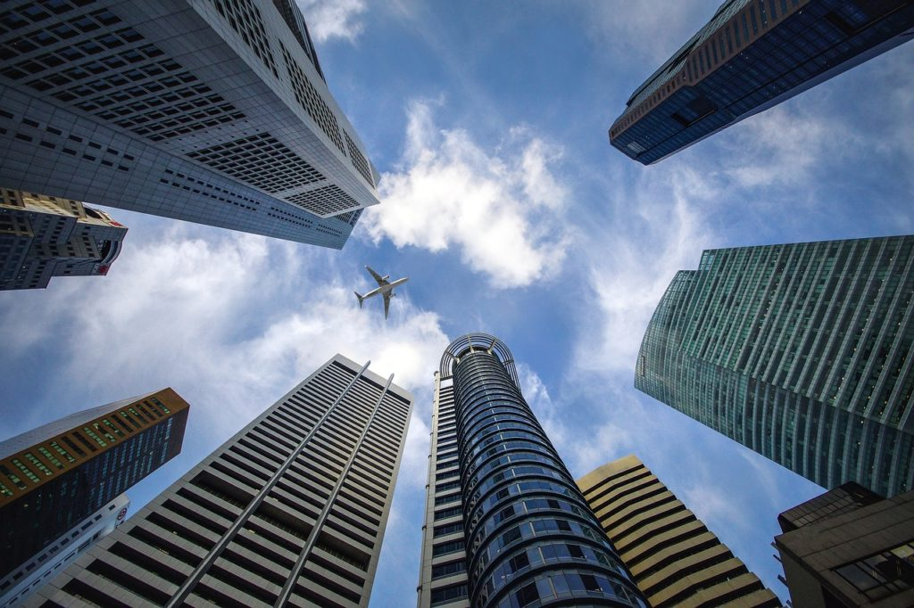 銀行と空と飛行機