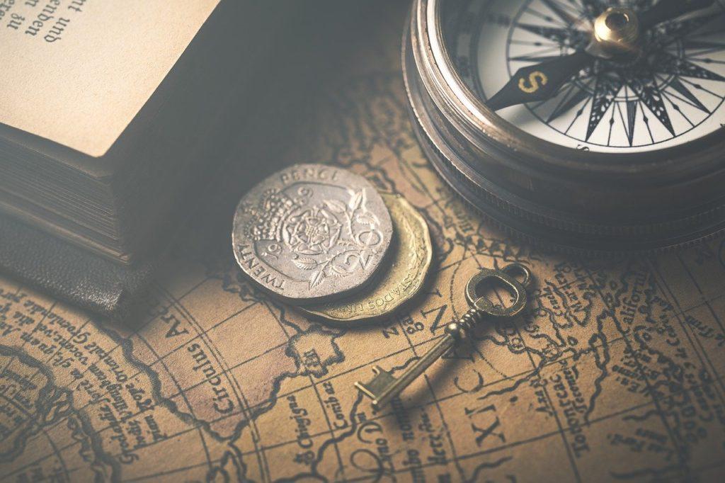 地図とコイン