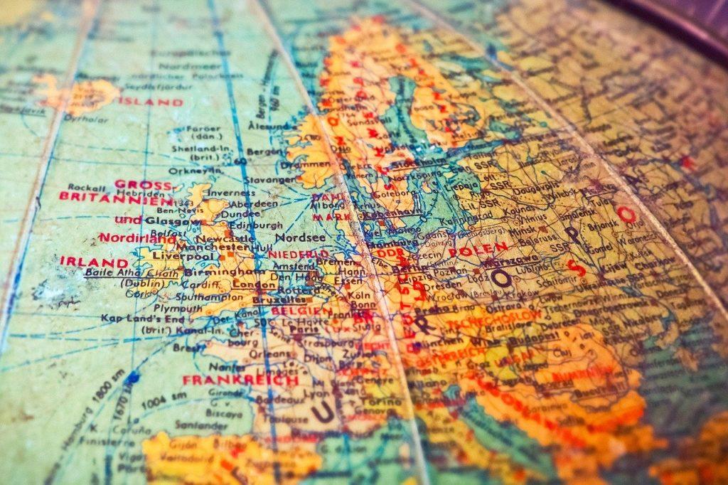 世界地図 地球儀