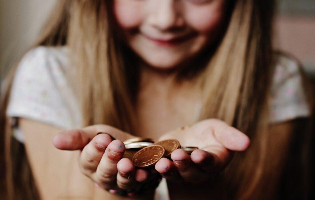 お金と少女